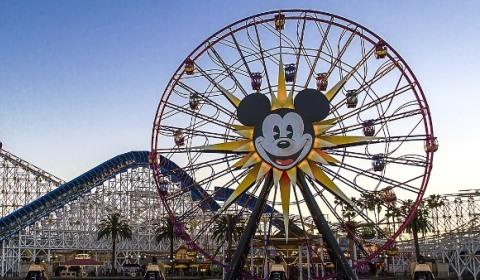 California_DisneyLand_Park-1